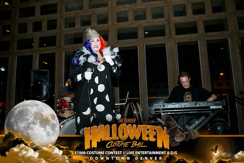 "Halloween Costume Ball 2017 • <a style=""font-size:0.8em;"" href=""http://www.flickr.com/photos/95348018@N07/37368428584/"" target=""_blank"">View on Flickr</a>"