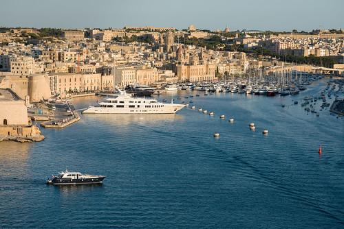 Blick auf Vittoriosa Yachthafen von Upper Barrakka Gardens