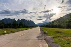 Loučení s parkem (zcesty) Tags: vietnam14 silnice krajina hory vietnam phongnha hdr dosvěta xuântrạch quảngbình vn