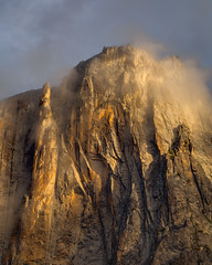 First Light on Lost Arrow (Jeffrey Sullivan) Tags: lost arrow yosemite national park first light mist morning fog nationalpark fall colors photography workshop landscape travel california usa nature canon eos 6d photo copyright november 2017 jeff sullivan unitedstates sierranevada united states weather granite rock formations glaciercarved geology