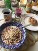 Frukost 8/10 (Atomeyes) Tags: mat fil musli rågbulle lemoncurd ost kaffe smoothie blåbär