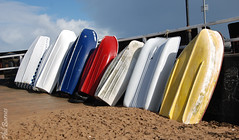 All lined up with a chalk face! (philbarnes4) Tags: broadstairs thanet kent england coast view dslr philbarnes boats leaning pier