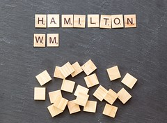 59 Punkte Vorsprung: Hamilton hat eine Hand am WM-Pokal (marcoverch) Tags: noperson keineperson business geschäft text desktop paper papier sign schild cube würfel texture textur symbol display anzeigen abstract abstrakt education bildung finance finanzen shape gestalten illustration achievement leistung alphabet conceptual konzeptionell wood holz pattern muster spiral walking pentax cathedral pet usa noiretblanc photoshop deutschland naturaleza