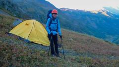 To jest jedyne najlepsze miejsce na namiot, o najmniejszej pochyłości. Gotowi do wyjścia na szczyt. (Tomasz Bobrowski) Tags: wspinanie mountains gruzja kaukaz góry marjanishvilicamp zeskhobasecamp caucasus georgia climbing