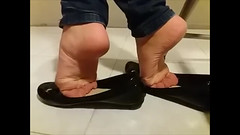 IMG_7080 (johnsmithh1) Tags: srunch soles barefeet flats smelly shoeplay arches