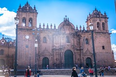 Catedral del Cusco construction began in 1560 and was built on top of the Inca palace of Viracocha.