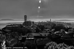 perugia in bianco e nero (baridue) Tags: perugia biancoenero bn streetphoto streetphotography street