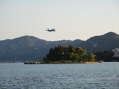IMG_0120 (dionysia.argyrou) Tags: corfu kerkira hellas greece pontikonisi airplane summer sky sea