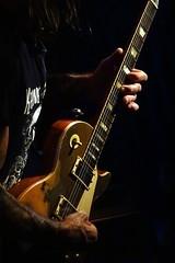 una chitarra molto vissuta