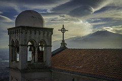 Upon the Roofs (Travel Photo Workshops) Tags: reisefoto reisefotografie fotoreise reise travel photo travelshooting italien italy italia sicilia sicily sizilien taormina landscape mood seminar kurs coaching photowalk fotowalk teaching school street