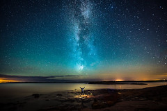 Milkyway and shit (Edgar Myller) Tags: finland strobe flash milkyway linnunrata cosmos star stars kopparnäs landscape selfie itsari godox ad360 sea seascape water longexposure long exposure