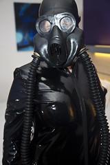 IMG_8947 (traveller-28) Tags: alien scifi pvc catsuit rubber latex gasmask breathplay fetish boots female linda jumpsuit totalenclosure gloves patent vinyl blog12jan2018 tumblr pintrst
