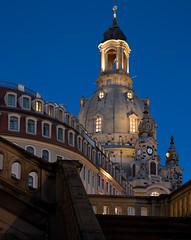 Dresden, Frauenkirche (rengawfalo) Tags: dresden sachsen saxony neumarkt germany deutschland blauestunde nacht kirche frauenkirche church barock sky building road tower city night
