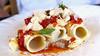 Els Casals (2017) (encantadisimo) Tags: macarrones panceta albahaca tomate queso