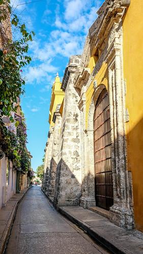 Side entrance of Iglesia de Santo Domingo