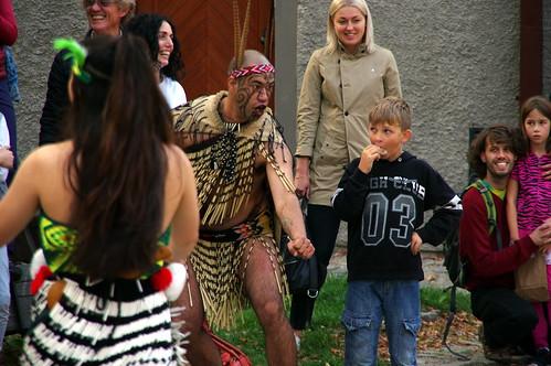 29.9.17 5 Cesky Krumlov Folk Dance Monastery Courtyard 026