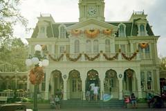 Magic Kingdom (Harley Mitchell) Tags: disney mickeymouse 35mm nikon waltdisney peterpan hauntedmansion adventure travel
