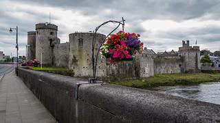 Ireland - Limerick - King John's Castle and Shannon River