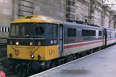 BRITISH RAIL 86101 SIR WILLIAM A STANIER FRS (bobbyblack51) Tags: british railways class 861 english electric br design bobo locomotive 86101 sir william a stanier frs central station glasgow1987