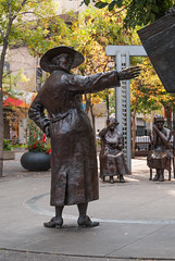 2017-09-12_16-05-15 The Famous Five (canavart) Tags: famousfive nelliemcclung calgary olympicplaza sculpture barbarapatterson alberta canada
