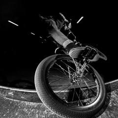 tire slide (lionelfausser) Tags: bmx tire slide cahors lesdocks noiretblanc blackwhite vans velo flash