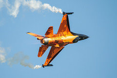 Netherlands Air Force F16 Demo (John5199) Tags: nikon sigma150500 airshow waddingtonairshow2013 f16 d3000 lincolnshire