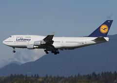 D-ABVR_747-430_DLH_CYVR_2691 (Mike Head - Jetwashphotos) Tags: boeing 747 747430 lh dlh lufthansa yvr cyvr vancouverinternationalairport bc britishcolumbia canada westerncanada westernregion queen queenoftheskies jumbojet