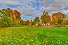 Autumn in Gothenburg (Explore 16/10 2017) (pro.henrik) Tags: fs171015 trädgårdsföreningengöteborg fotosondag hdr hostfoto höst sigma24mmart