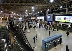 RD16192.  Waterloo Station in London. (Ron Fisher) Tags: waterloostation station railwaystation gare bahnhof rail railway railroad eisenbahn chemindefer nightshots night transport sony sonyrx100m3 sonyrx100iii swr southwesternrailway southernrailway sr londonsouthwesternrailway lswr