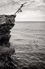Vertigo - No hay retorno (jfraile (OFF/ON slowly)) Tags: salto mar rocas vertigo blancoynegro jfraile javierfraile