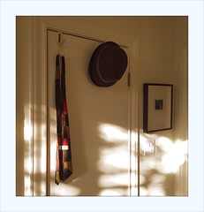 Evening Approaches (Sam_Sims) Tags: eveningapproaches inmyroom lightandshadow quietmoments luzdeatardecer sam sims
