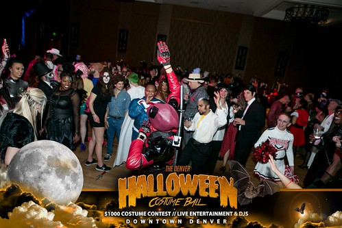 "Halloween Costume Ball 2017 • <a style=""font-size:0.8em;"" href=""http://www.flickr.com/photos/95348018@N07/38077707191/"" target=""_blank"">View on Flickr</a>"
