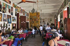 Santa Fe de Antioquia: Restaurante Portón del Parque (zug55) Tags: santafedeantioquia colombia antioquia santafe villadesantafé valledelcauca caucavalley santafé restauranteportóndelparque restaurant restaurante portóndelparque