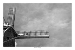 Windmill (Marcos Jerlich) Tags: windmill structure construction mill sky cielo cloudy cloud october flickr 7dwf bw blackandwhite bnw monochrome blancoynegro mono brasil holambra janheijdra netherlands américadosul canon canont5i canon700d efs1855mm monochromemonday hmm marcosjerlich