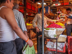LR-002 (hunbille) Tags: india mumbai birgittemumbai32015lr dadar phool galli phoolgalli flower market bazaar bombay