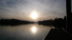 Oissel -  Soleil d'automne (jeanlouisallix) Tags: oissel seine maritime haute normandie france fleuve rivière soleil cours deau nature berges reflets panorama paysage landscape rviver automne