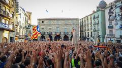 Our weapons, our hands. Visca Catalunya! (MPC.76) Tags: catalunya cataluña catalonia democracia cemocracy manresa bages europe riots manifestacion manifestacio plag bandera senyera estelada