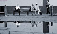 4x2 La Laguna diciembre 2010 (Jazz Sandoval) Tags: 2010 elfumador españa exterior enlacalle azul blancoynegro bn blanco bw canarias contraste calle curiosidad curiosity day digital ciudad city andando fotografíadecalle fotodecalle fotografíacallejera fotosdecalle gente humanos hombre humano humorgráfico human humanfamily islascanarias jazzsandoval luz light lalaguna mirada monocromática monócromo mujer movimiento moving man miradas negro nero portrait people reflejos streetphotography streetphoto charco