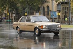 1976 Mercedes-Benz 200 [W123] (coopey) Tags: 1976 mercedesbenz 200 w123