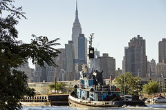 r_171001445_beat0061_a (Mitch Waxman) Tags: donjon dupbo emilyann empirestatebuilding newyorkcity newtowncreek tugboat newyork