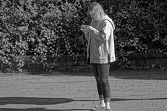 Le message perdu - The lost message (p.franche malade - sick) Tags: skancheli monochrome noiretblanc blackandwhite zwartwit blanconegro schwarzweis μαύροκαιάσπρο inbiancoenero 白黒 黑白 чернобелоеизображение svartochvitt أبيضوأسود mustavalkoinen שוואַרץאוןווייַס bestofbw streetshot snapshot smartphone cellular fleur flower macro nature bokeh superbokek sony sonyalpha65 objectifminolta minoltalens minolta beercan vintage hdr dxo flickrelite bruxelles brussel brussels belgium belgique belgïe europe pfranche pascalfranche schaerbeek schaarbeek woman frau 女子 여성 kvinde mujer nainen γυναίκα אישה امرأة nő wanita bean kona donna 女 kvinne kobieta mulher женщина kvinna žena หญิง đànbà vrouw