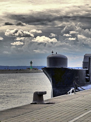 U-Boot Museum in Sassnitz (ingrid eulenfan) Tags: rügen insel sassnitz stadthafensassnitz liegeplatz uboot submarine ubootmuseum hmsotus unterseeboot ostsee himmel leuchtturm meer boot mole hafen