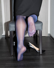 IMG_6310.jpg (pantyhosestrumpfhose) Tags: pantyhose strumpfhose strümpfe struempfe nylon collant tights stockings legs feet beine pantyhosefeet pantyhoselegs nylonfeet nylonlegs heels schuhe shoes bestrumpftebeine колго́тки nylontoes hosiery nylontoe toe shoe pumps