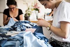 COMAS gleicebueno-8971 (gleicebueno) Tags: upcycling reciclagem textil artesanal handmade autoral comas manual mercadomanual redemanual augustinacomas moda fashion slowfashion hands mãos
