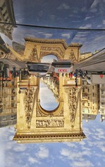 Renversante Porte St-Martin (berardici) Tags: reflet mr reflexion paris arche 100 phautographie 5faves 200 300