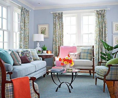 Living Room Decor : Tight living room quarters called for airy, scaled-down furniture. Small accesso...