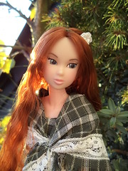 red and green (maggimini) Tags: momoko maggimini maggisatelier barbie börse köln fashion handmade
