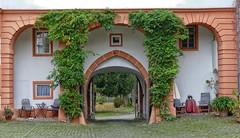 Hungen Tor (wernerfunk) Tags: hessen portal tor hof