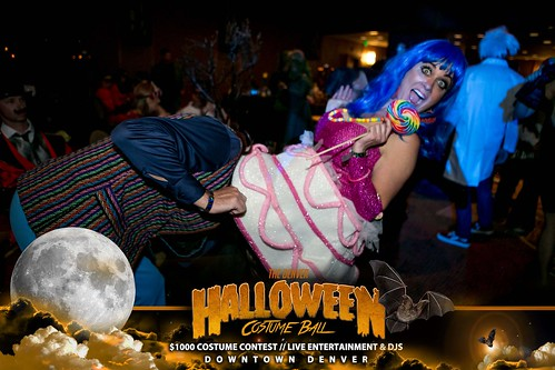 "Halloween Costume Ball 2017 • <a style=""font-size:0.8em;"" href=""http://www.flickr.com/photos/95348018@N07/38024827906/"" target=""_blank"">View on Flickr</a>"