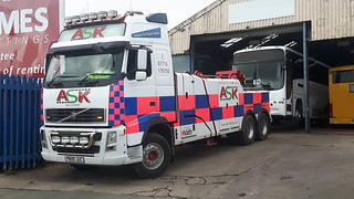 Volvo FH13 Backing Coach Into Workshop